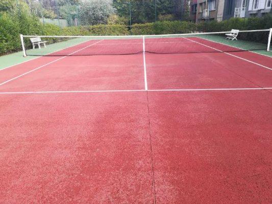 court de tennis rénové
